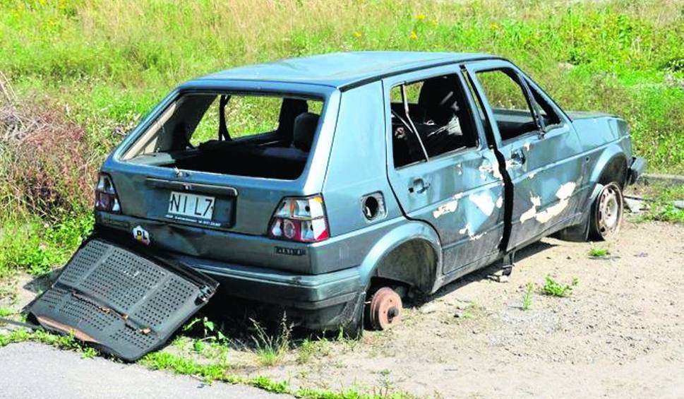Film do artykułu: Wraki samochodów straszą w Stalowej Woli
