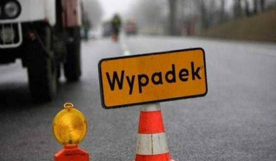 Film do artykułu: Wypadek w Bydgoszczy. Trzy osoby w szpitalu