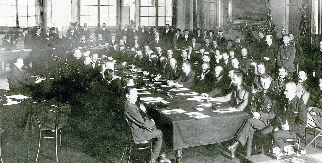 Sala obrad w pałacu Czarnogłowców w Rydze