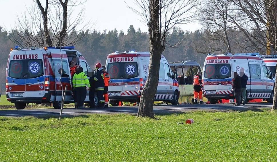 Film do artykułu: Śmiertelny wypadek w Słowinie: Sąd Okręgowy zmienia decyzję w sprawie kierowcy ciężarówki - trafi do aresztu