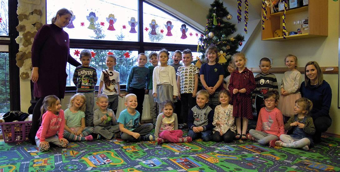 Mali detektywi z przedszkola w Straszynie wzięli pod lupę św. Mikołaja!