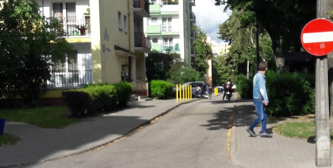 Kierowca jednośladu jechał pod prąd ulicą Tuwima
