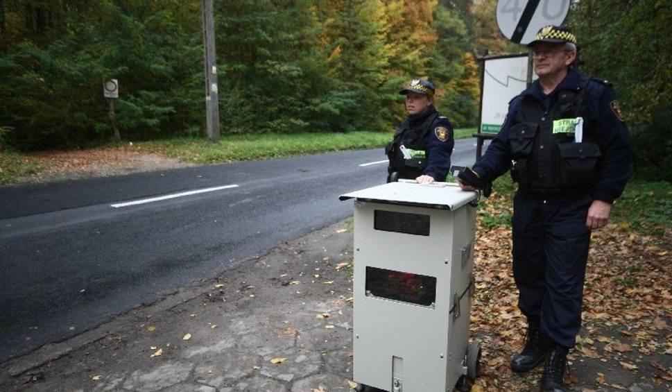 Fotoradar straży miejskiej w Łodzi. Sprawdź, gdzie stanie w środę, 29 lipca [MAPA]