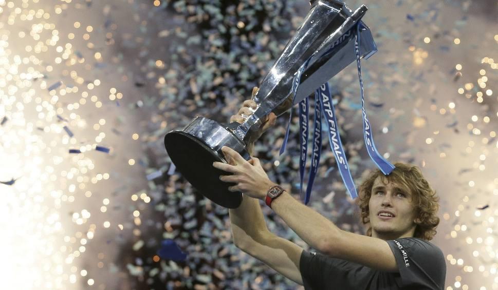 Film do artykułu: ATP World Tour Finals. Alexander Zverev, a nie Roger Federer, zatrzymał w Londynie Novaka Djokovicia. Wielki sukces niemieckiego tenisisty