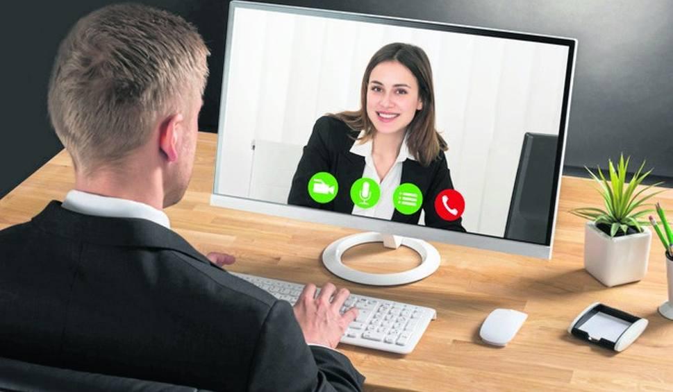 Film do artykułu: Rekrutacja w formie rozmowy wideo. To jest teraz w modzie