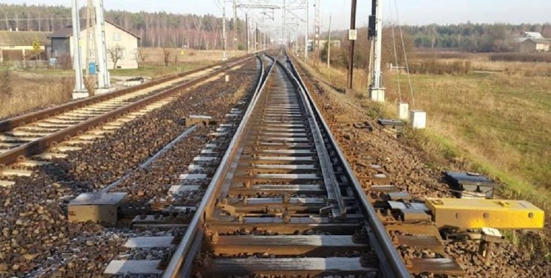 Samorządowcy postulują, aby stacja kolejowa powstała w gminie Biała Rawska , którą przecina centralna magistrala kolejowa
