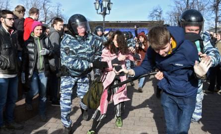 Rosja: Protesty w Moskwie. 500 osób zatrzymanych, wśród nich Aleksiej Nawalny [ZDJĘCIA] [VIDEO]