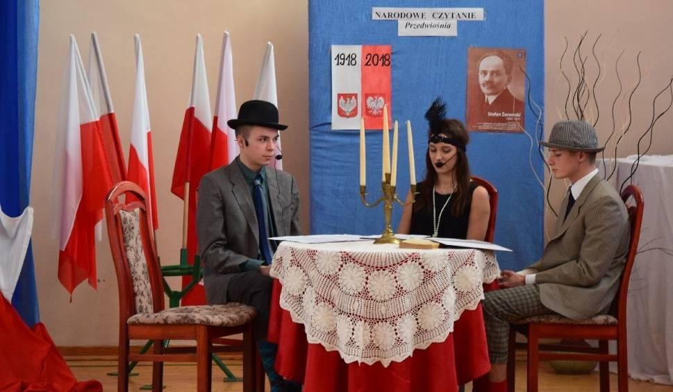 Film do artykułu: Patriotycznie, radośnie i… słodko obchodzono Święto Niepodległości w Zespole Szkół numer 1 w Ostrowcu