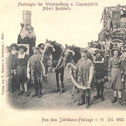 Uczestnicy korowodu w 1900 r.