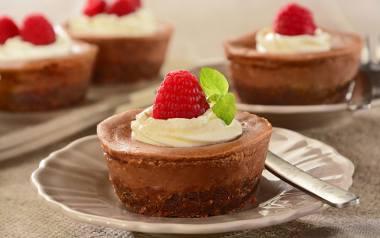 Walentynki 2020. TOP 5 łatwych i smacznych walentynkowych deserów [PRZEPISY]