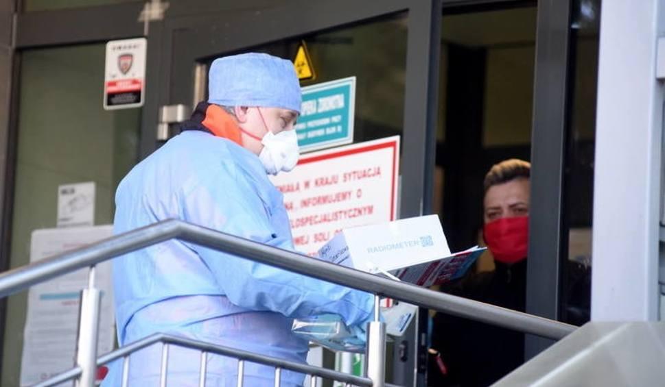 Film do artykułu: Nowe przypadki zakażeń koronawirusem w powiecie nowosolskim. W czwartek rano Lubuski Urząd Wojewódzki podał nowe dane