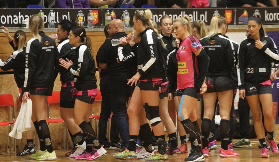 Film do artykułu: Piłkarki ręczne Korony Handball Kielce kończą pierwszą rundę. U lidera zagrają bez skrzydłowej