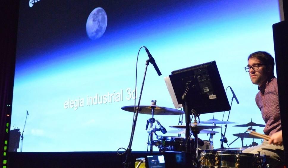 """Film do artykułu: Niezwykły projekt filmowy """"Elegia Industrialna 3D"""" - z muzyką jazzową na żywo - w Zielonej Górze!"""