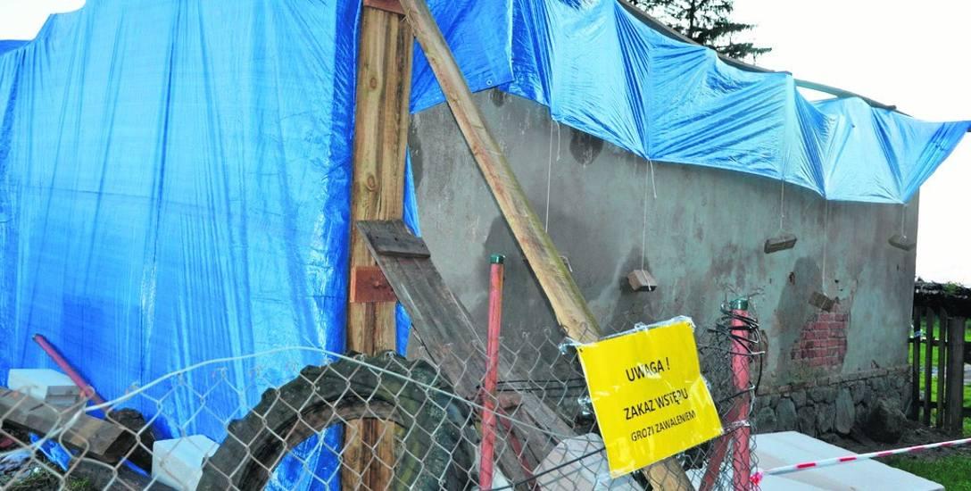 Nie ma kto odbudowywać domów po nawałnicy. Na Pomorzu brakuje budowlańców