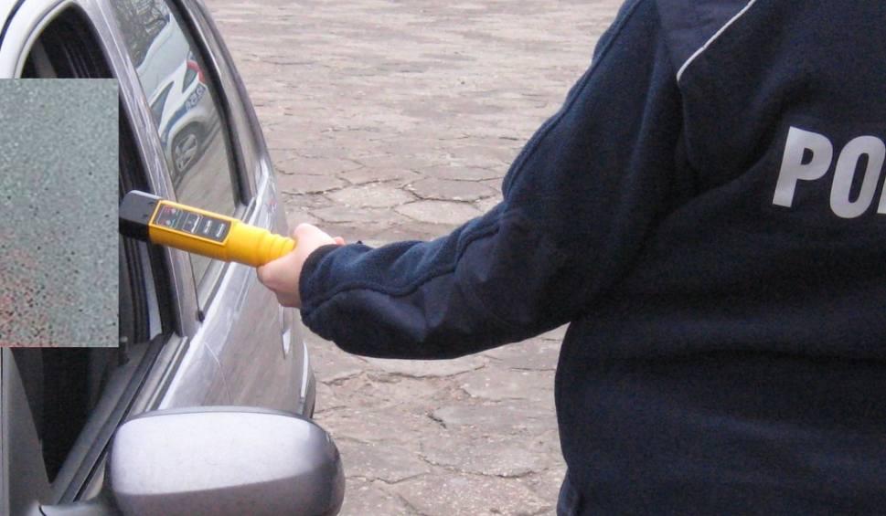 Film do artykułu: Zwoleńska policja zatrzymała dwóch pijanych kierowców. Obaj mężczyźni stracili prawo jazdy