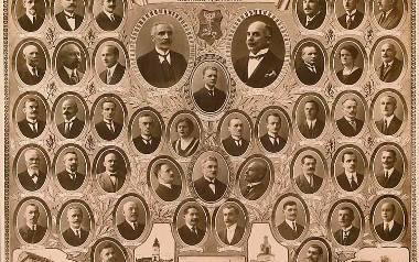 Tableau pierwszego samorządu miejskiego w Białymstoku wybranego 7 września 1919 r. Ze zbiorów Muzeum Podlaskiego w Białymstoku