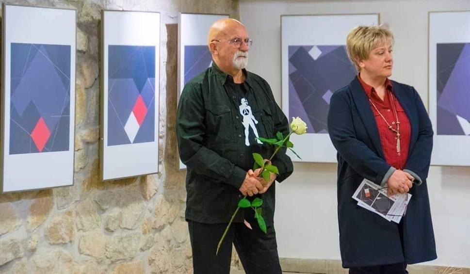 Film do artykułu: Aleksander Olszewski otworzył nową wystawę w Przemyślu - towarzyszy mu doktorant