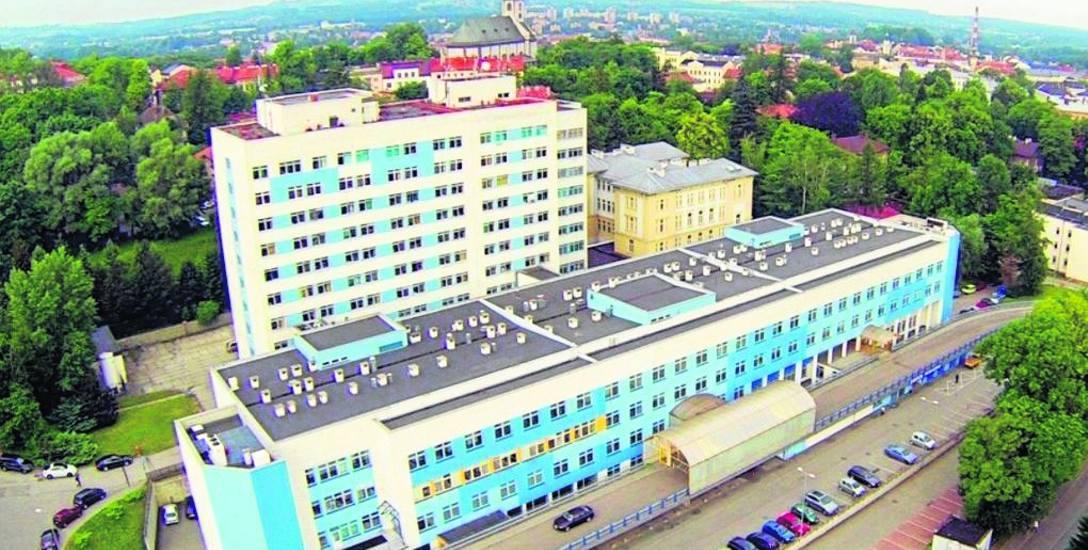 Cieszyn: Szpital z dużymi inwestycjami, ale wciąż bez lądowiska