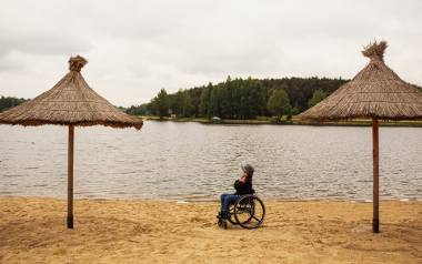 Dla nich ograniczenia nie istnieją. Arek i jego rodzice pokazują, że wózek nie stoi na przeszkodzie w podróżowaniu i spełnianiu marzeń