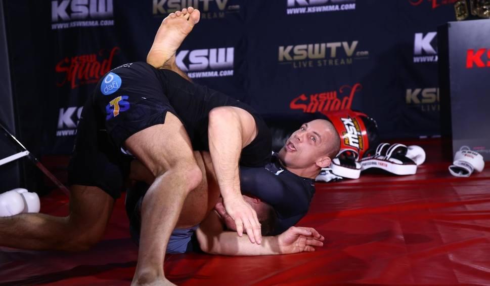 Film do artykułu: KSW 46 online: Narkun - Chalidow live. Transmisja gali MMA w telewizji [SKRÓT WALKI, WIDEO]