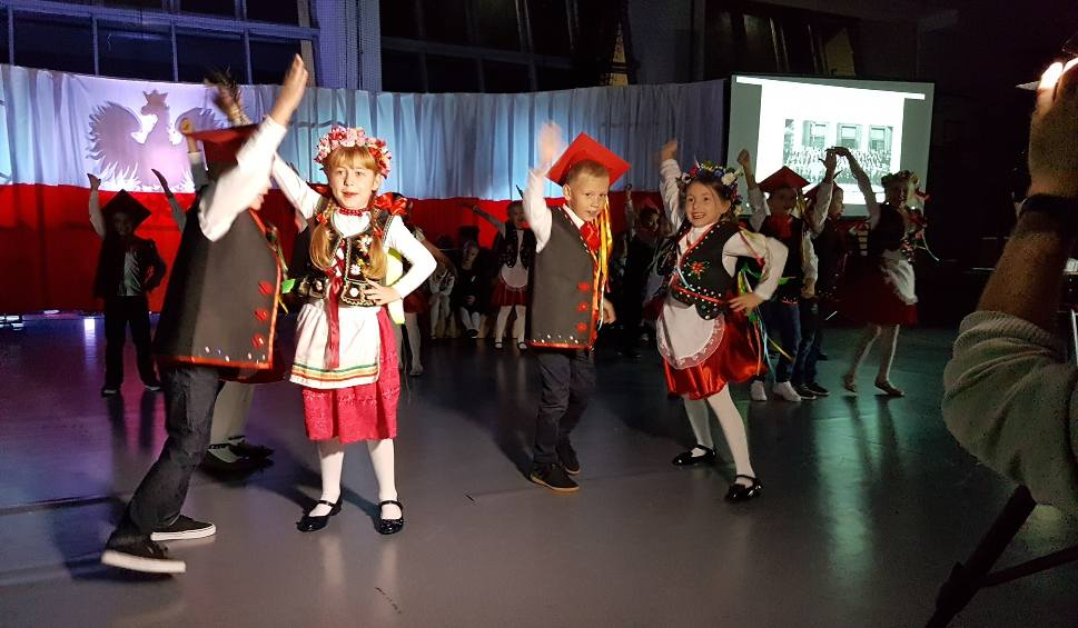 Film do artykułu: Niezwykła Wieczornica w szkole w Bilczy (ZDJĘCIA)