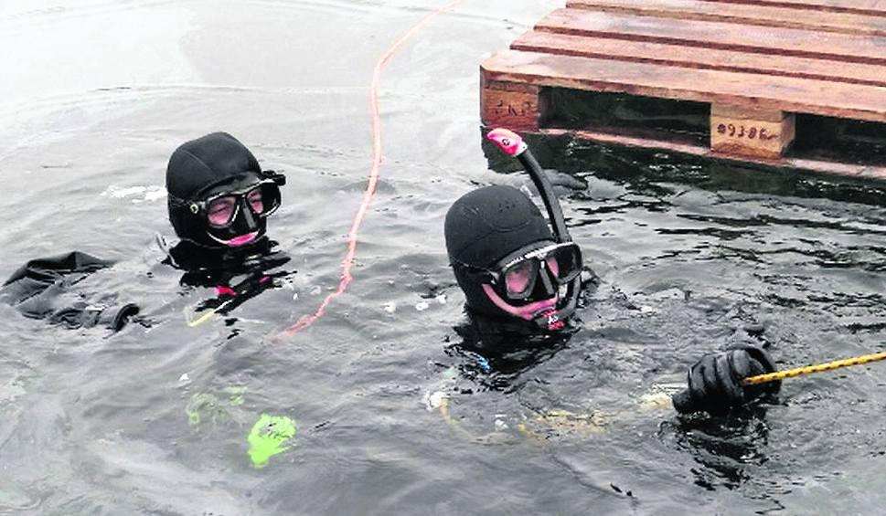 Film do artykułu:   Nisko. Żołnierze - nurkowie ćwiczą pod lodem