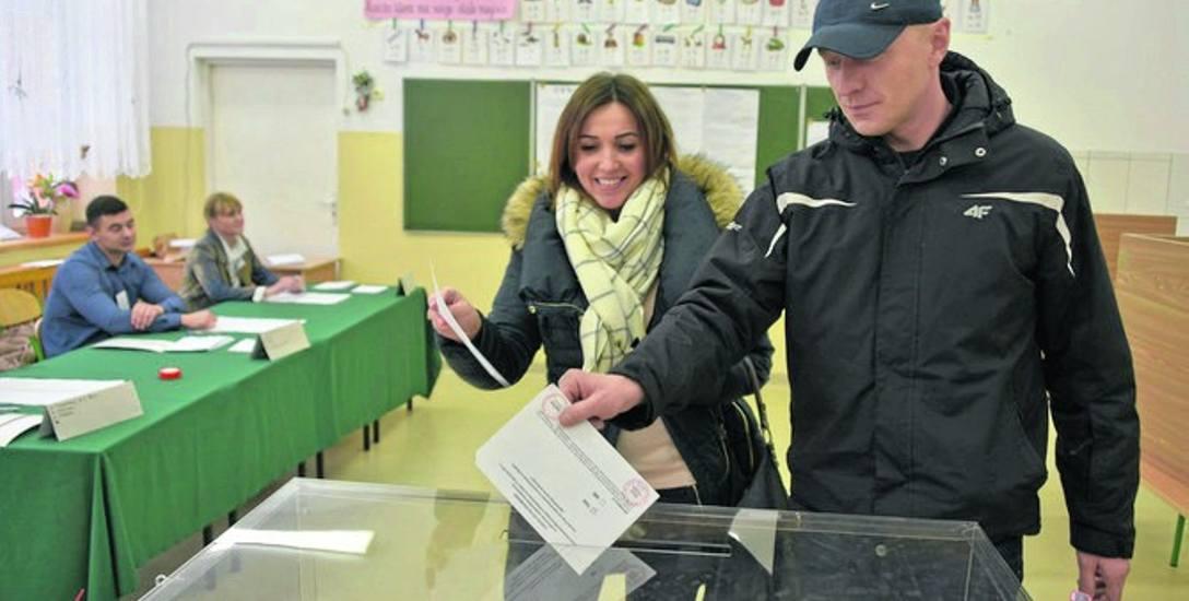 Problemy z referendum. PKW ostrzega prezydenta Dudę