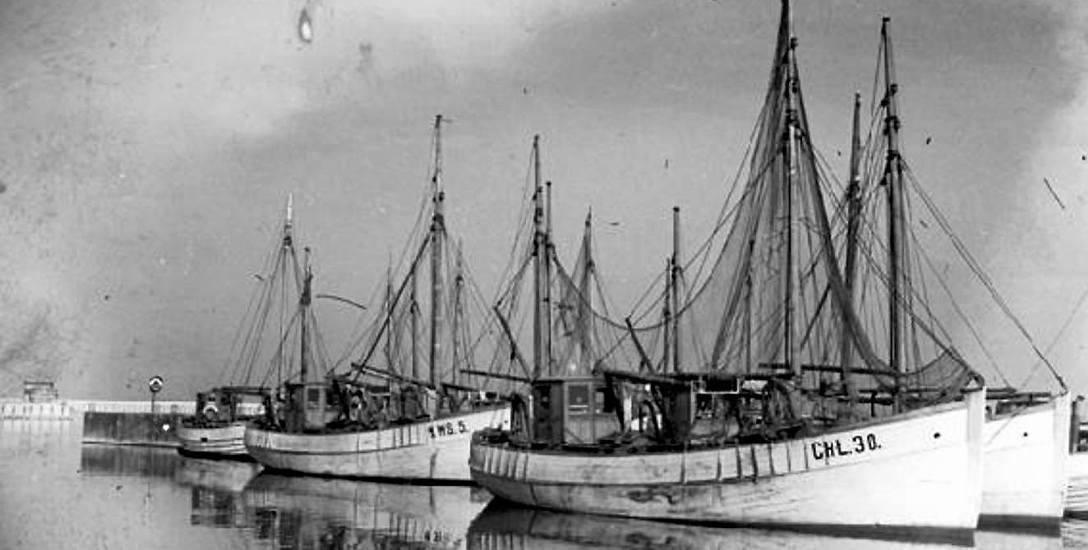 Kutry w porcie, w tym WWś 5 - własność Jakuba Myślisza, który w 1920 roku reprezentował kaszubskich rybaków przed gen. Hallerem