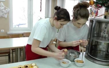 Orzeszki, szyszki, ślimaki, babeczki - z wizytą na lekcjach cukiernictwa w pracowni ZSZ nr 4 [ZDJĘCIA, WIDEO]
