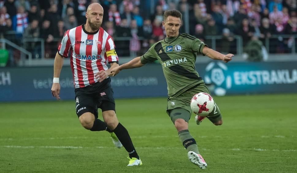 Film do artykułu: Legia Warszawa imponuje na wyjazdach, ale częściej grać będzie u siebie