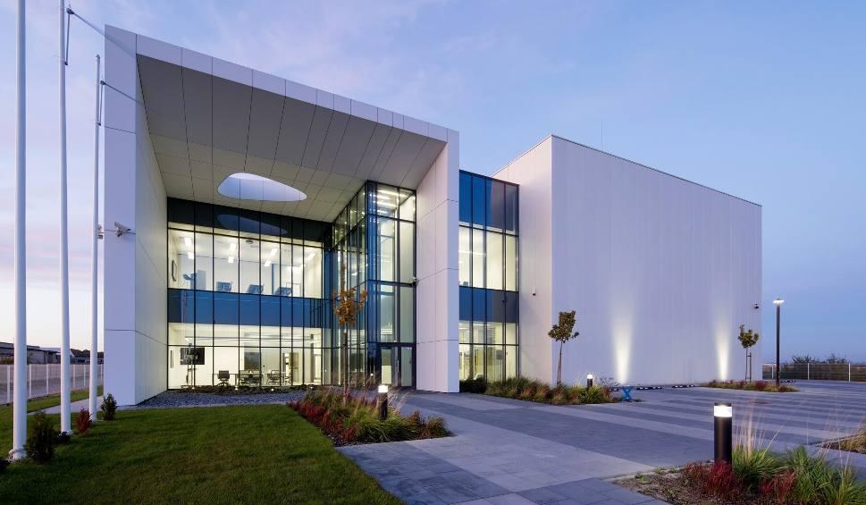 Film do artykułu: Przepiękne japońskie biura w Gliwicach. To Centrum Badawczo Rozwojowe firmy High Technology Machines, projekt Zalewski Architecture Group