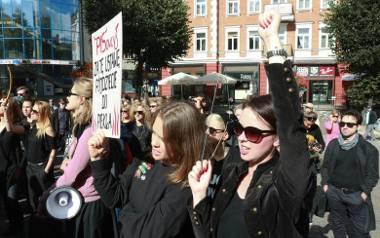 Panie będą manifestować w całej Polsce. Strajk Kobiet także w Gdańsku