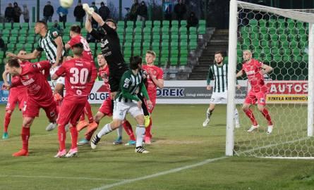 Po dobrym meczu miejscowa drużyna Olimpia zwyciężyła w Grudziądzu z Zagłębiem Sosnowiec 3:1.Kibice na meczu Olimpia - Zagłębie Sosnowiec.