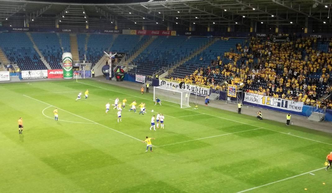 Trzecioligowy Motor pokonał na Arenie Lublin ostatnie w tabeli Karpaty Krosno 5:0