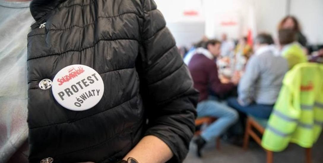 """Nauczyciele odchodzą z """"Solidarności"""". Aż 60 pracowników oświaty z Torunia i okolic odeszło ze związku"""