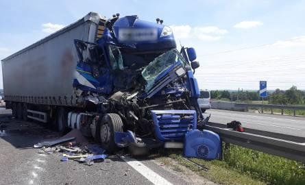 Wypadek trzech TIRów na autostradzie A4 w Gliwicach