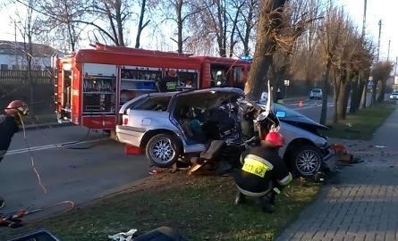 21-latek był uwięziony w BMW (wideo)