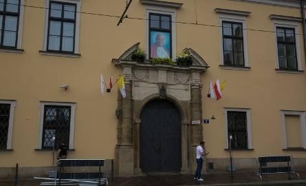 26.07.2016 krakow  kuria metropolitarna franciszkanska 3 okno papieskie fot anna kaczmarz / dziennik polski /polska press
