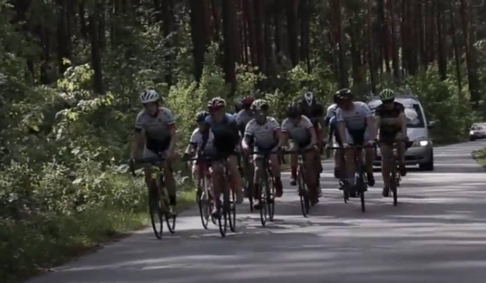 Film do artykułu: Kolarze Vento Bike Team Daleszyce wystąpili w teledysku Dariusza Pawlika