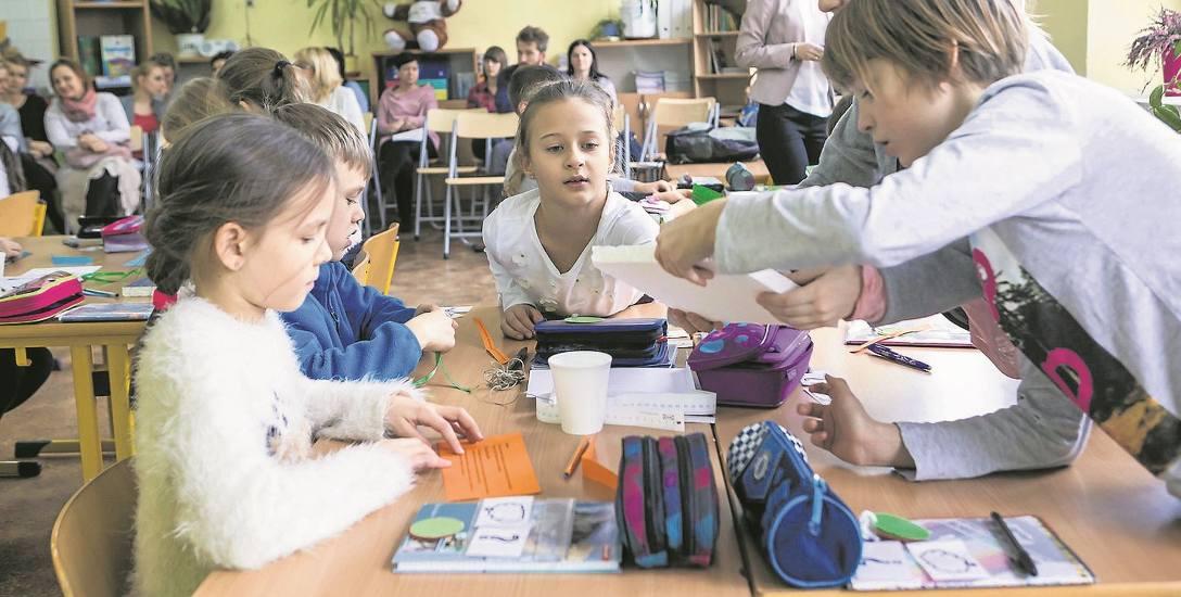 W Łodzi rodzice już chcą zapisać dzieci do szkół