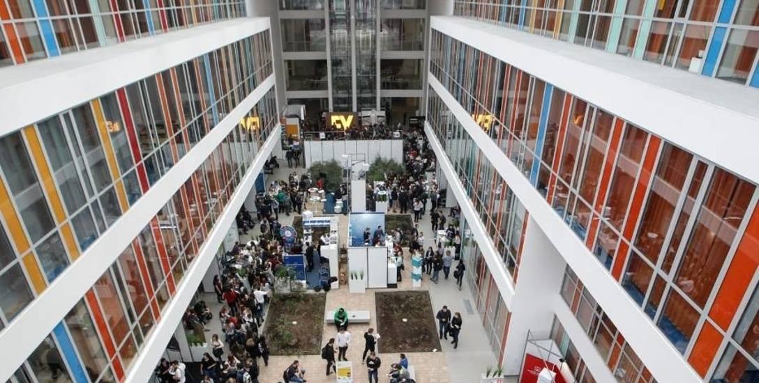 Uniwersytet Rzeszowski przyjmie około 6000 studentów, politechnika przygotowała ponad 5400 miejsc