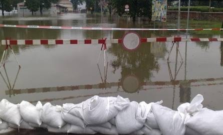 W Krośnie woda wciąż się podnosi