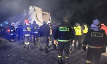 Masakra na trasie Ostrów Mazowiecka - Białystok. Trzy osoby nie żyją, dwie ranne (nowe fakty, wideo i zdjęcia - uwaga, drastyczne)