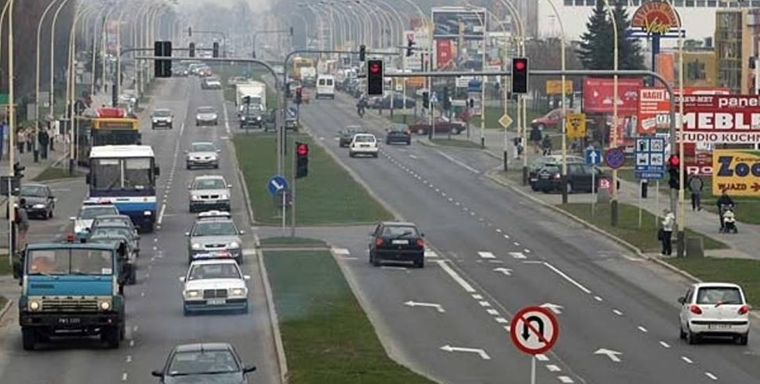 W Rzeszowie ma działać pięć sygnalizacji świetnych na kilometrze drogi? Kierowcy mówią NIE