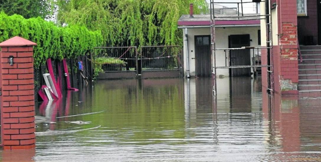 Na łapaniu deszczówki skorzystają nie tylko poszczególni mieszkańcy, ale i całe miasto. Będzie mniej podtopień