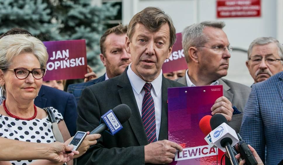 Film do artykułu: Bydgoszcz: SLD rejestruje listę kandydatów do Sejmu