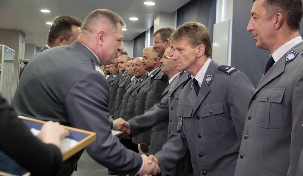 Film do artykułu: Kraków. Wyjątkowe wyróżnienia dla policjantów za służbę podczas ŚDM [ZDJĘCIA, WIDEO]