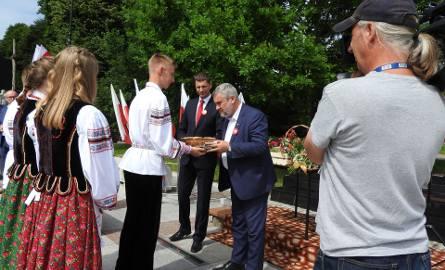 W Sokołach minister rolnictwa Jan Krzysztof Ardanowski, razem z ministrem edukacji Dariuszem Piontkowskim spotkali się z mieszkańcami