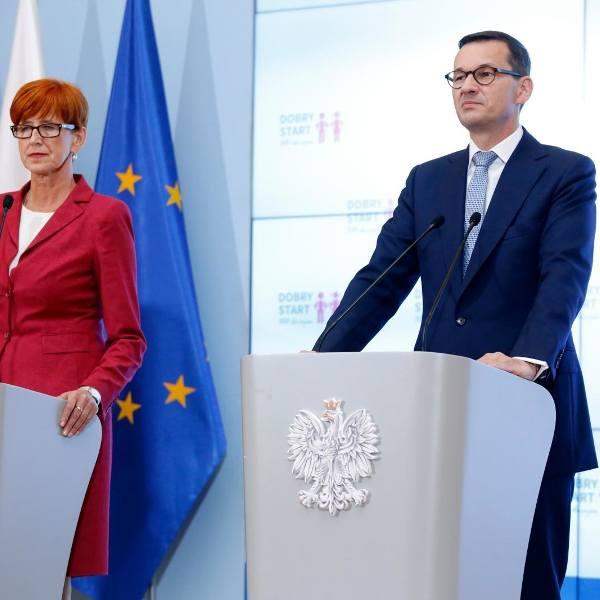 Waloryzacja emerytur 2019. Rząd zdecydował o całkowitej zmianie zasad. Najniższa emerytura - 1 100 zł. Znamy wszystkie szczegóły!