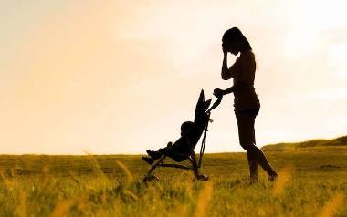 Połogowa samotność. Odczarowujemy stereotyp matki Polki